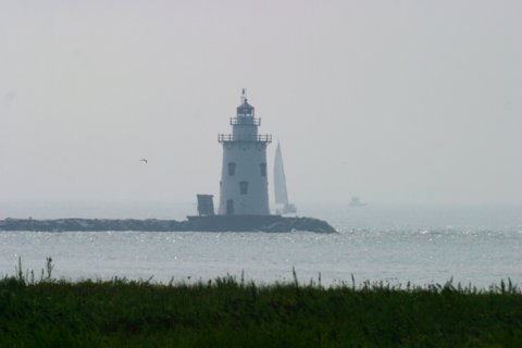 Cyberlights Lighthouses - Saybrook Breakwater Lighthouse