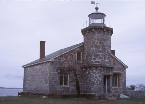 Cyberlights Lighthouses - Stonington Harbor Lighthouse