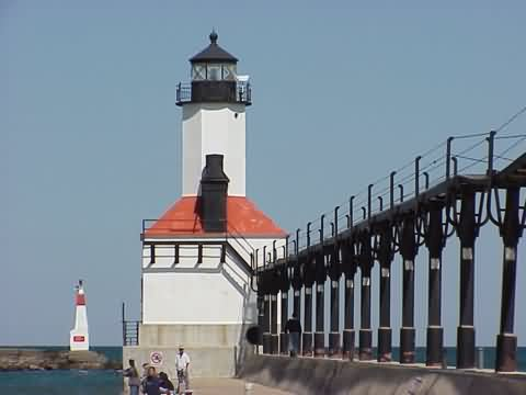 Cyberlights Lighthouses - Michigan City East Pierhead Lighthouse