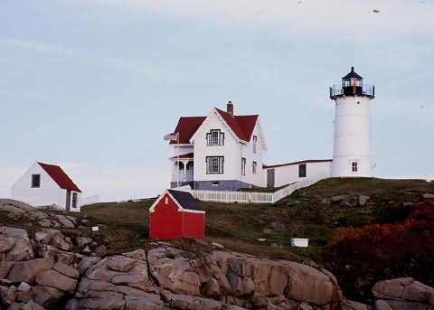 "Cyberlights Lighthouses - Cape Neddick ""Nubble"" Lighthouse"