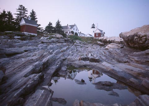 Cyberlights Lighthouses - Pemaquid Point Lighthouse