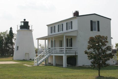 Cyberlights Lighthouses - Piney Point Lighthouse