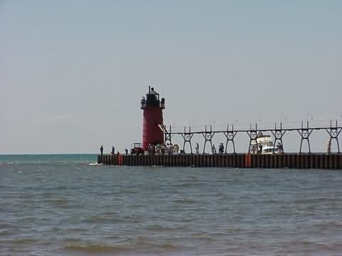 Cyberlights Lighthouses - South Haven South Pier Lighthouse
