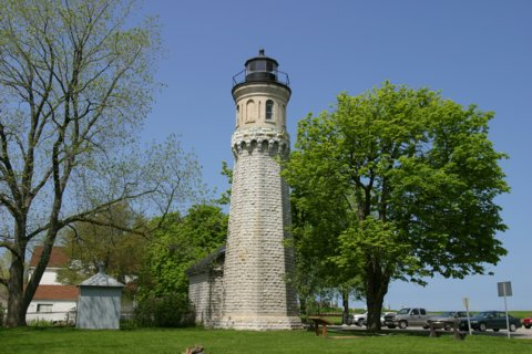 Cyberlights Lighthouses - Old Fort Niagara Lighthouse