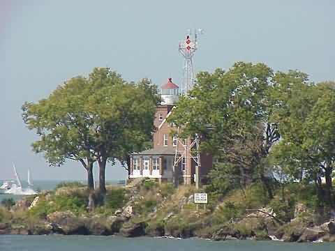Cyberlights Lighthouses - South Bass Island Lighthouse