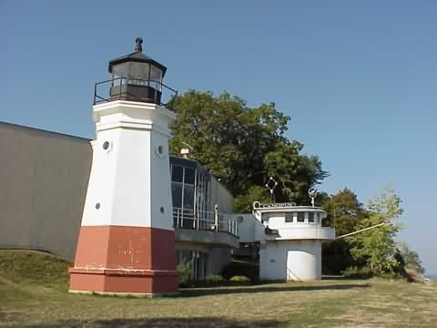 Cyberlights Lighthouses - Vermilion Lighthouse