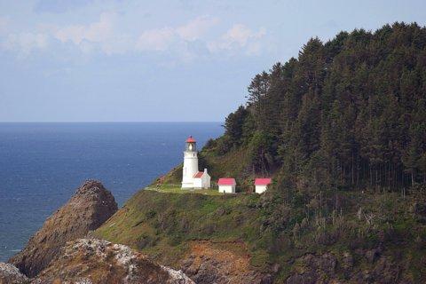 Cyberlights Lighthouses - Heceta Head Lighthouse