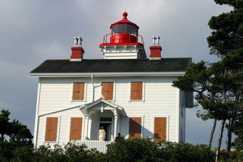 Cyberlights Lighthouses - Yaquina Bay Lighthouse