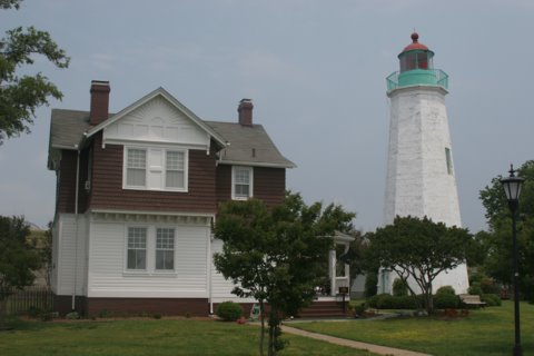 Cyberlights Lighthouses - Old Point Comfort Lighthouse